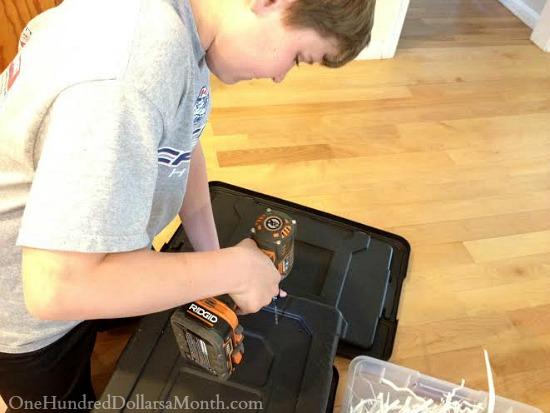 how to make a worm bin