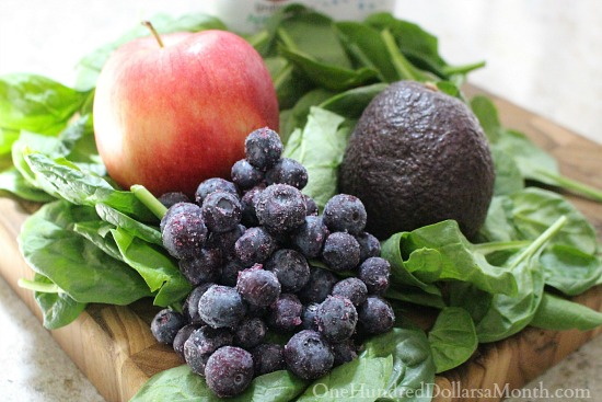 Spinach, Avocado, Blueberry and Apple Smoothie