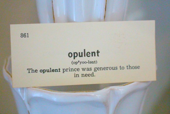 define opulent