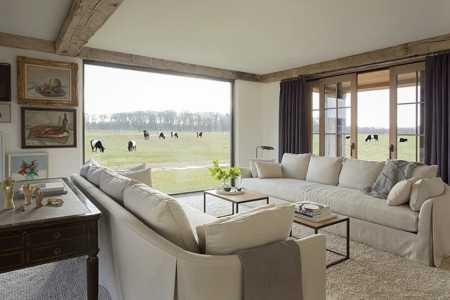 modern farmhouse kathleen walsh interiors 01 1 kindesign
