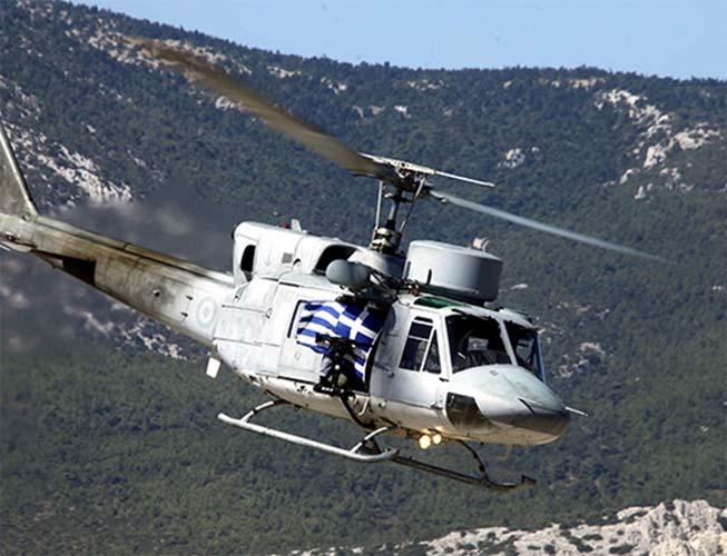 Κατέπεσε ελικόπτερο: Εντοπίστηκαν δύο σοροί στην ξηρά - Δείτε το προφίλ των τριών αξιωματικών