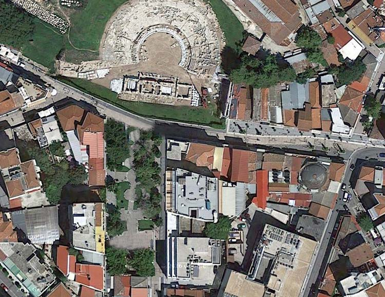 Έτσι θα διαμορφωθεί ο χώρος μπροστά από το αρχαίο θέατρο της Λάρισας το 2017 (φωτό)