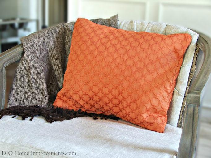 19 Throw Pillow Tutorials to Try - OnlineFabricStore.net Blog