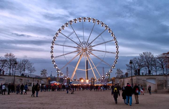 Ferris wheel at Place de la Concorde, Paris