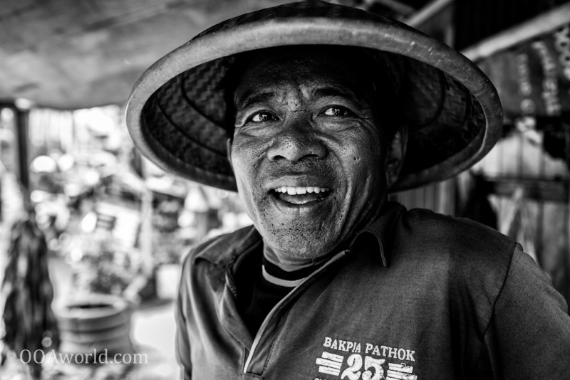 Photo Indonesian Man Chinese Hat Ooaworld