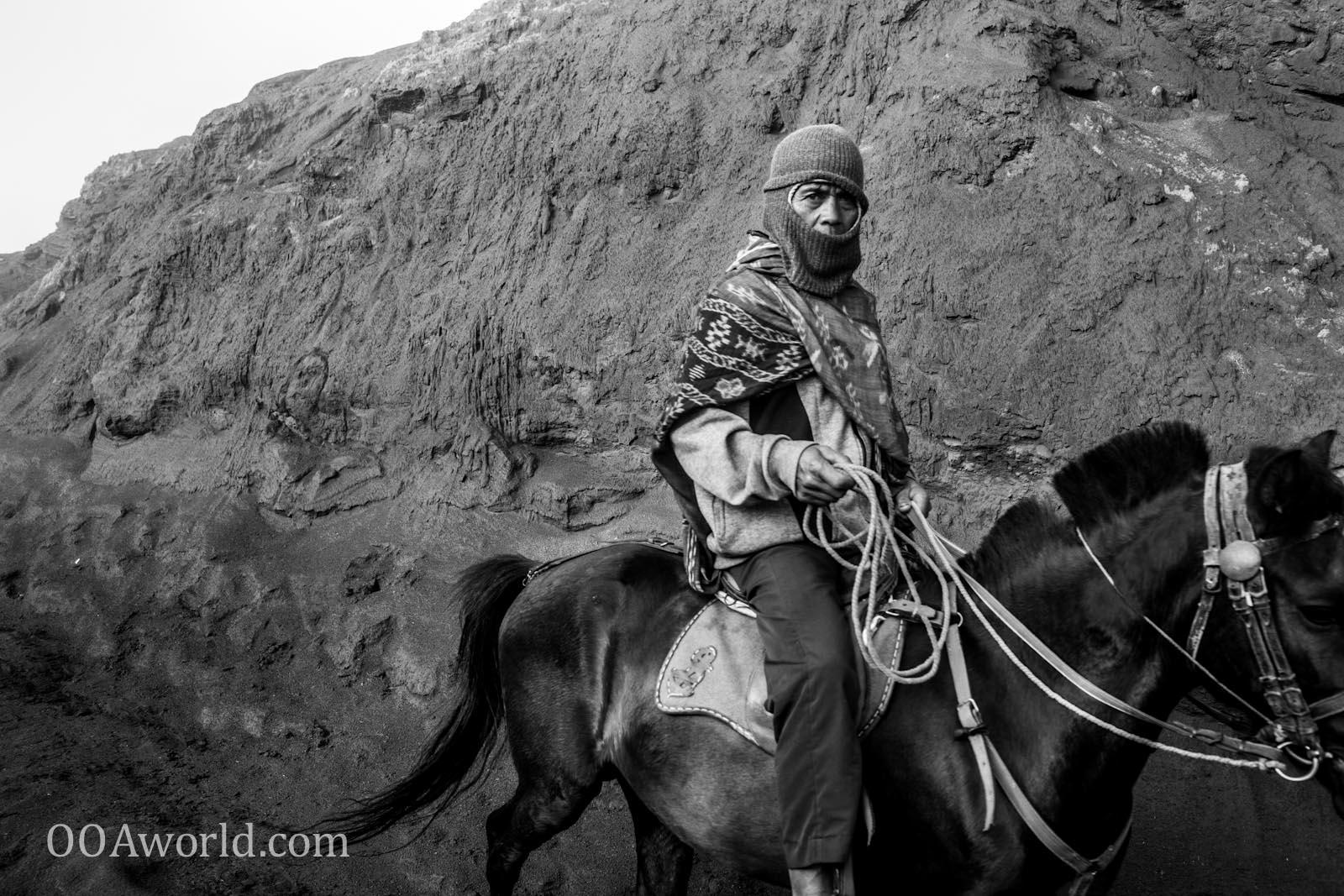 Photo Man Riding Horse Bromo Indonesia Ooaworld