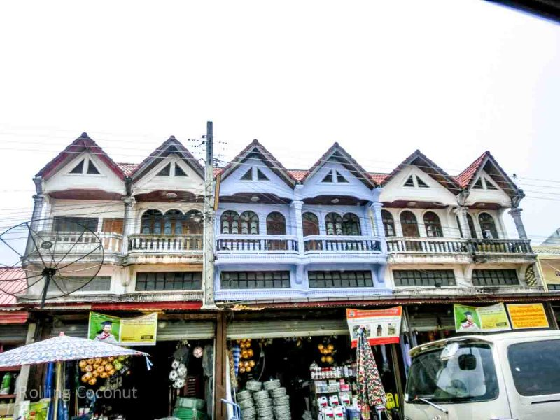 Houses Street Vientiane Laos Rolling Coconut Ooaworld Photo Ooaworld