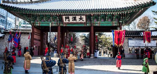 Gyeong Bok Palace Things to do in Seoul on a Budget Photo Ooaworld