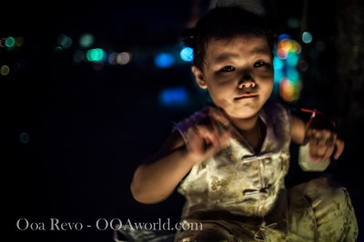 Hoi an Lantern Festival Portrait Girl Photo Ooaworld