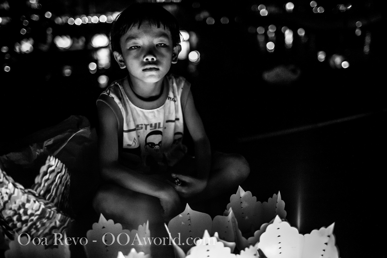 Hoi an Lantern Festival Portrait Tired Boy Photo Ooaworld