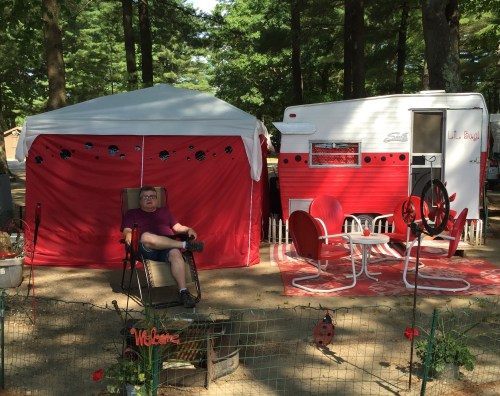 """""""Glamping"""" spotted in Maine"""