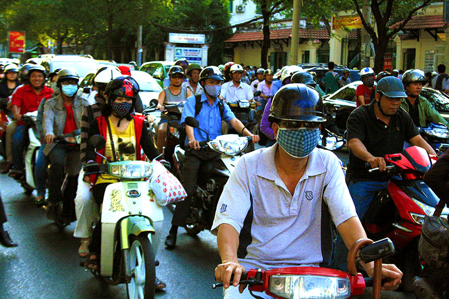 44 Days in Vietnam - My Motorcycle Ride Across the Country (Part 1 - Departure from Saigon)