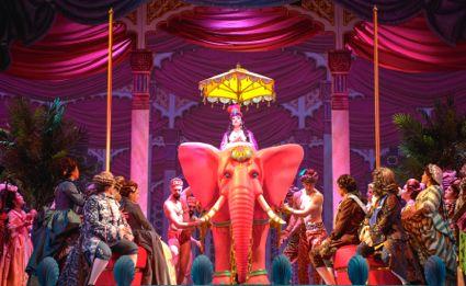 PATTI LUPONE ON ELEPHANT BG (425)