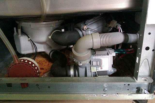 Lavavajillas no desagua m s que electrodom sticos for Mi lavavajillas no desagua