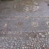 Oryginalna mozaika na ulicy Śluza