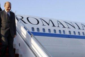 Avionul lui Basescu a aterizat de urgenta la Sibiu