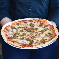 Zov's Anaheim pizza