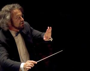 Carlos Kalmar. Photo: Oregon Symphony.