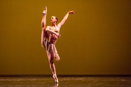 Moxie Contemporary Ballet's Emily Schultz/Photo by Lindsay Hille