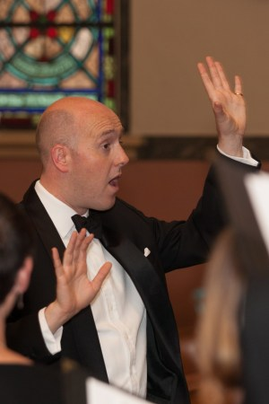 Mark Williams conducted Cantores in Ecclesia in the festival's closing concert. Photo: Sarah Wright.