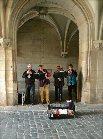 A brass quartet plays baroque music in Dresden.