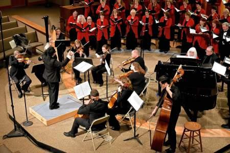 Oregon Chorale and orchestra. Photo: Don White.