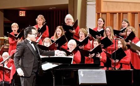 Jason Sabino led Oregon Chorale. Photo: Don White.