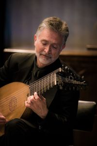 The illustrious lutenist Ronn McFarlane performs Friday in Portland Classical Guitar's series.
