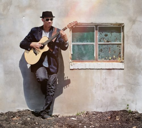 Raul Midón performs two shows at Jimmy Mak's in Portland Friday. Photo: Steven Parke