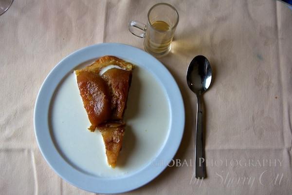 poached apple pie