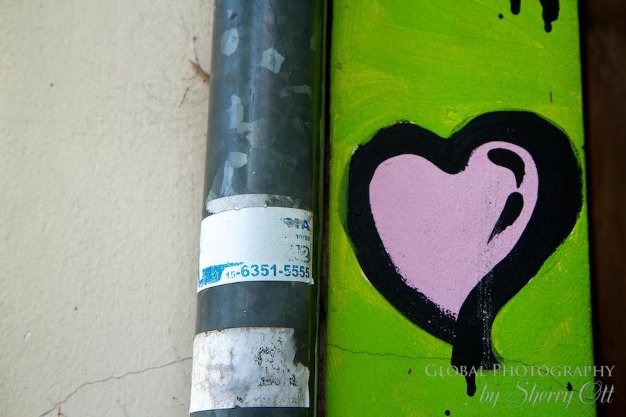 Graffiti heart Buenos Aires