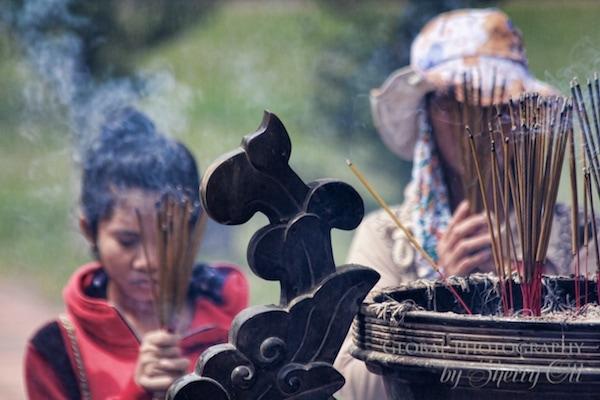worship in Vietnam
