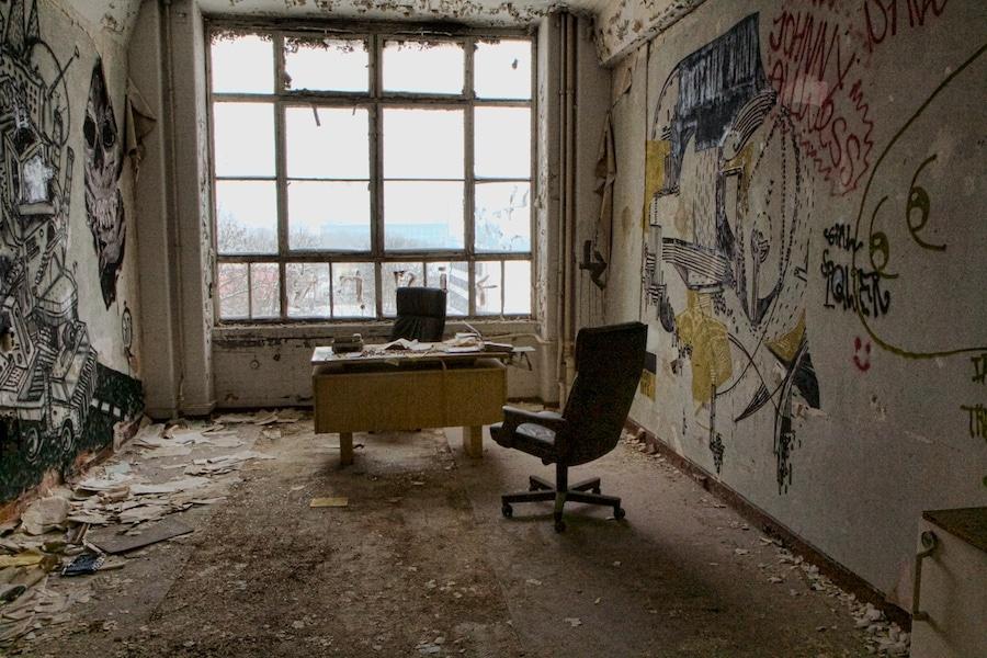 Abandoned office in Berlin