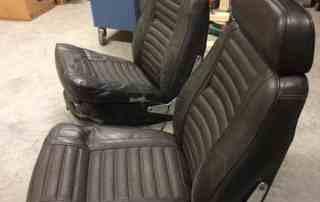 zwarte-Volvo-Amazon-stoelen-met-slaapbeslag