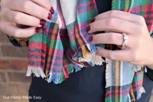Make a $5 Blanket Flannel Scarf!