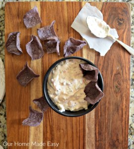 Yummy Slow Cooker Sausage & Queso Dip
