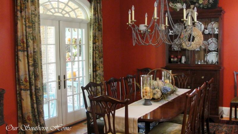 fall-dining-room