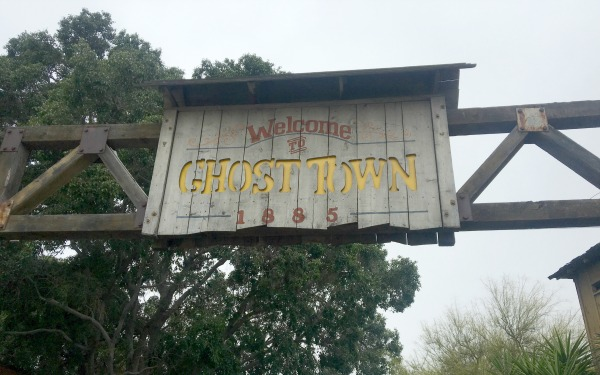 knotts-ghost-town-sign