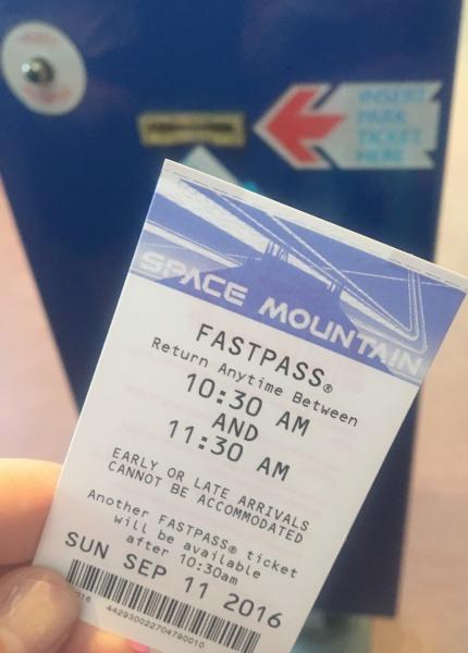 halloween-time-at-disneyland-resort-fast-pass