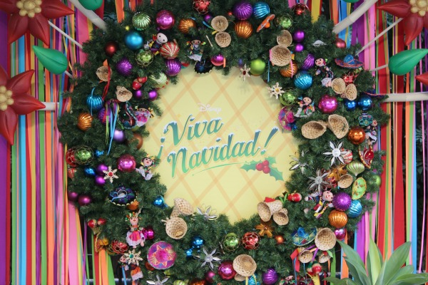 viva-navidad-wreath