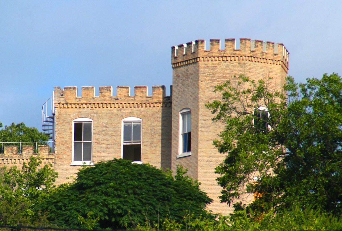 16-castle