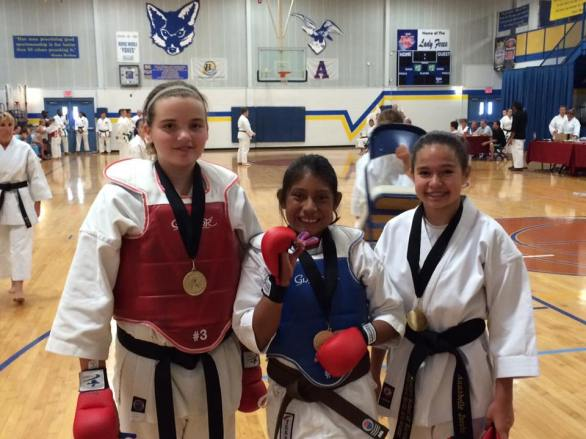 girls-team-kumite