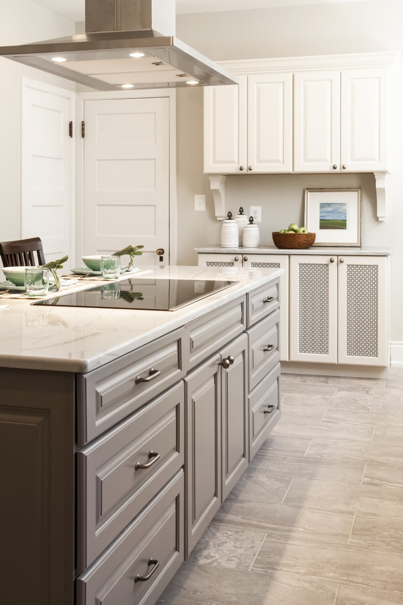 guilford kitchen remodel baltimore kitchen remodeling After Photos of Baltimore Kitchen Remodel Top Knobs Aspen Collection M 4 cc pull in silicon Bronze