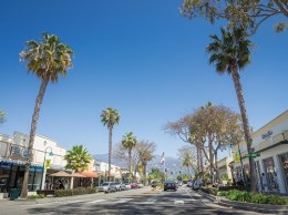 Linden Avenue in downtown Carpinteria. The city is home to Lynda.com, which is being purchased in a $1.5 billion transaction by the Silicon Valley company LinkedIn. (Nik Blaskovich / Business Times photo)