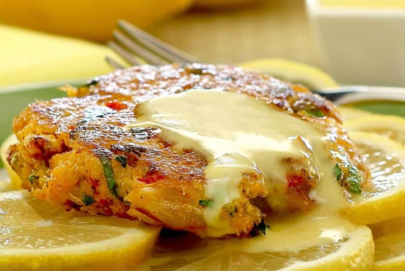 simple paleo recipe for crab cakes with lemon aioli sauce