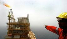 کاهش بهای نفت معضل جدید برای اقتصاد ایران