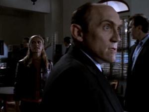 Buffy-the-Vampire-Slayer-Choices-Principal-Snyder-11