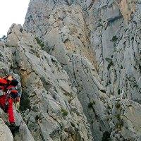 Escalada en el Puig Campana (Alicante). Arista Aristóteles y cresta Pepsi, V 450 m