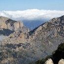 Senderismo en la montaña de Alicante ascendiendo el Puig Campana, el Ponoig y el Cabal