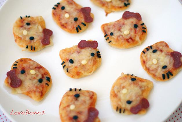 mini pizzas hello kitty